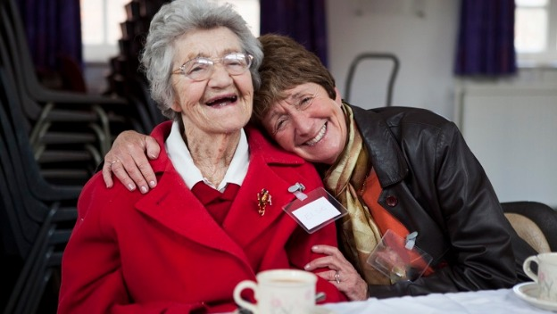 HOME INSTEAD SOUTHPORT FORMBY AND CROSBY SUPPORTS DEMENTIA AWARENESS WEEK