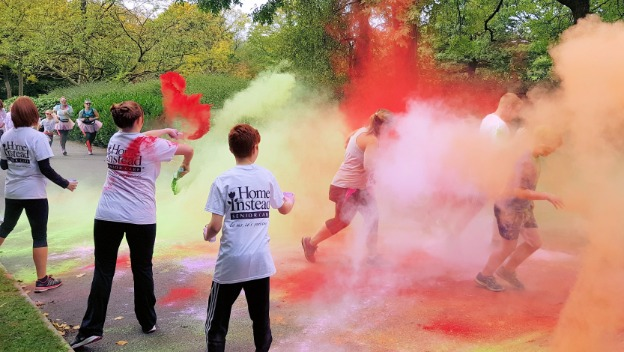 Home Instead Supports Dr Kershaw\'s Annual Colour Blast