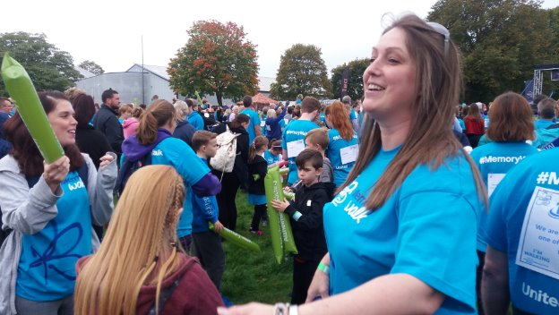 Home Instead walks the walk for Alzheimer's Society