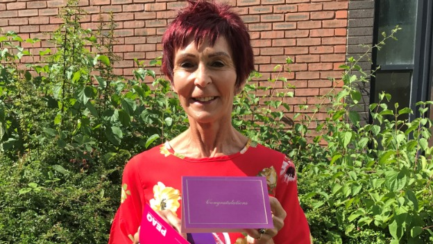 Carolyn Scoops £1000 National Prize