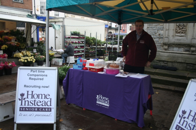 Lee at the Aylesbury town market